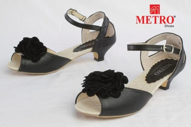 casual-and-formal-shoes-by-metro- (1)
