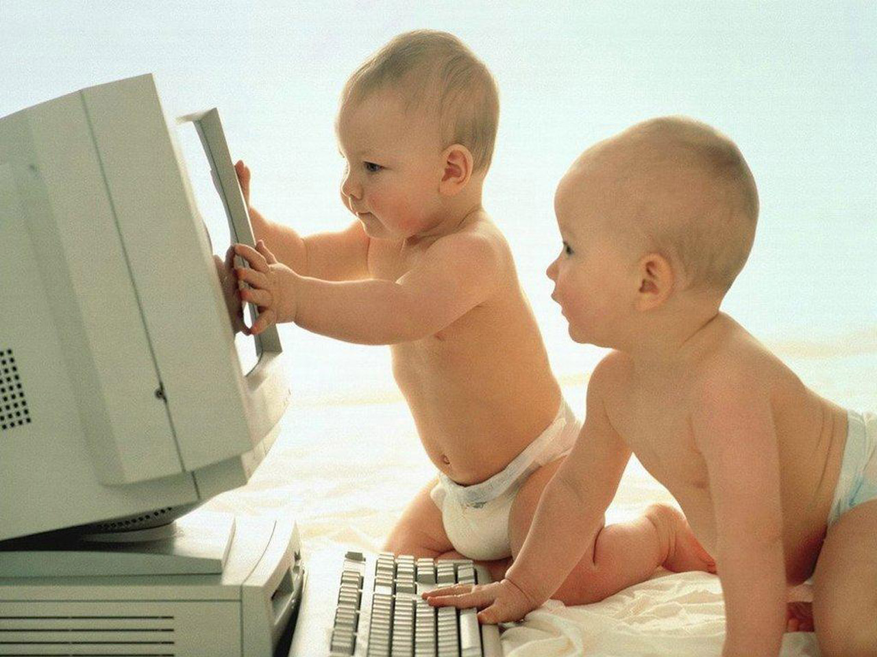 cute-babies-wallpapers- (4)