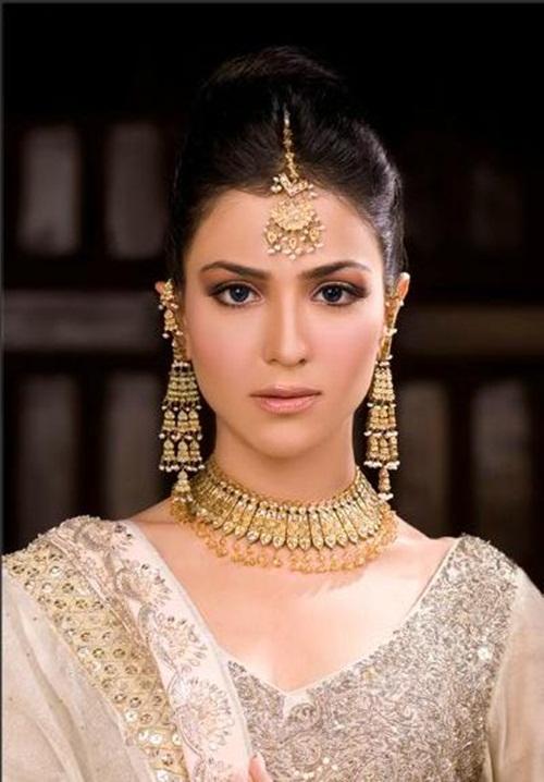 humaima-malik-bridal-makeover- (7)
