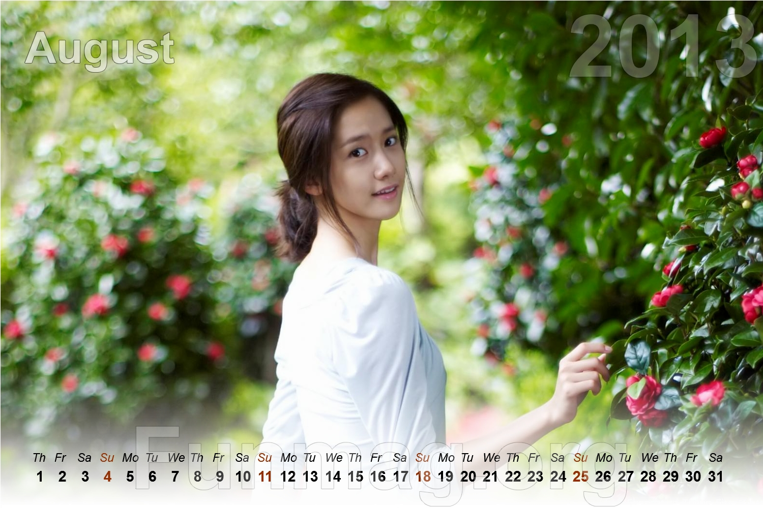 beautiful-women-calendar-2013- (8)