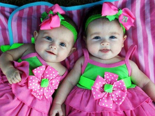 cute-twin-babies- (1)