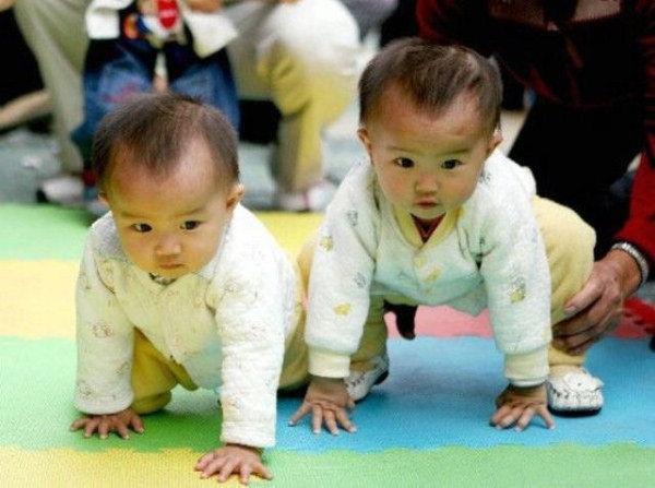cute-twin-babies- (14)