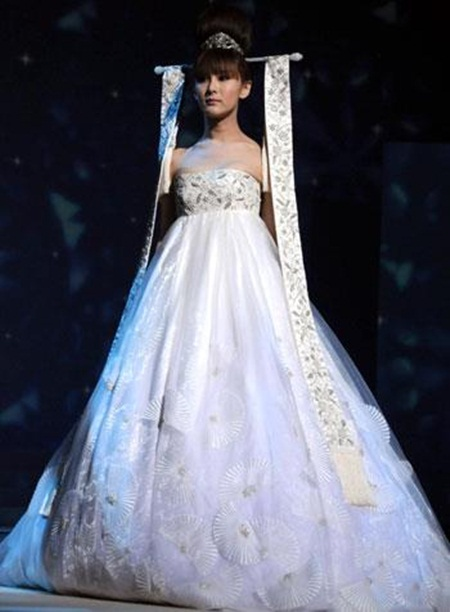 traditional-wedding-gowns- (23)