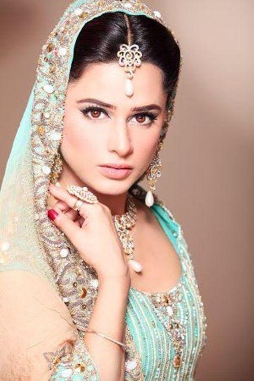 mehreen-raheel-bridal-makeover-by-makeup-artist- (2)
