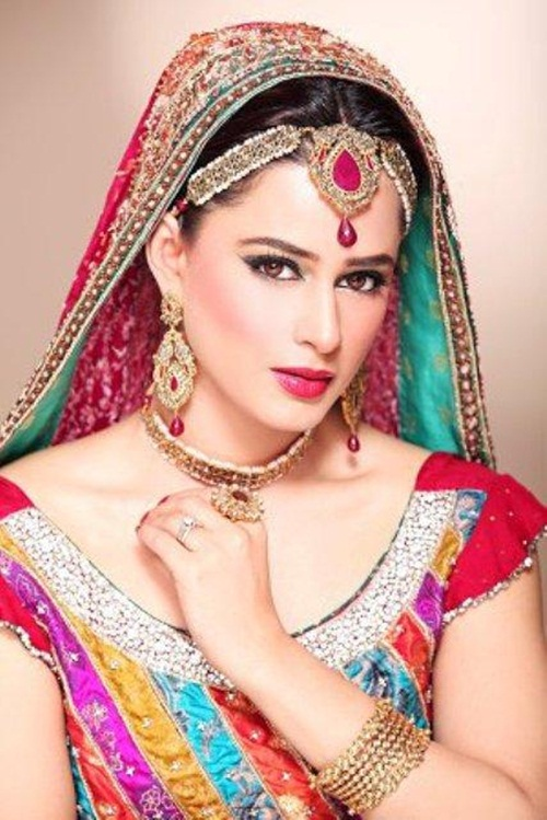 mehreen-raheel-bridal-makeover-by-makeup-artist- (4)