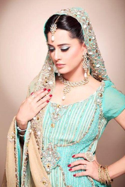 mehreen-raheel-bridal-makeover-by-makeup-artist- (5)
