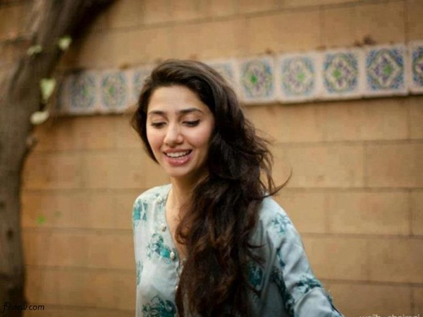 pakistani-actress-mahira-khan-photos-02