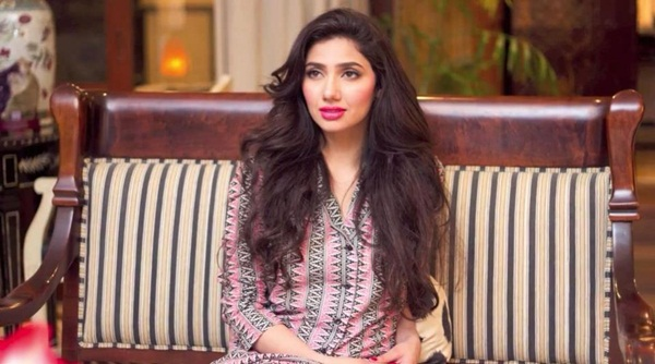 pakistani-actress-mahira-khan-photos-12