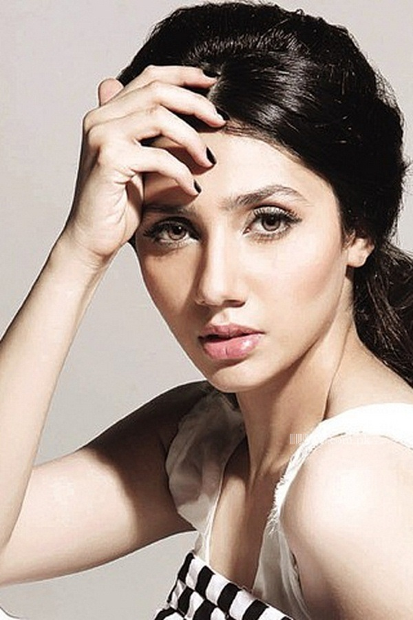 pakistani-actress-mahira-khan-photos-25