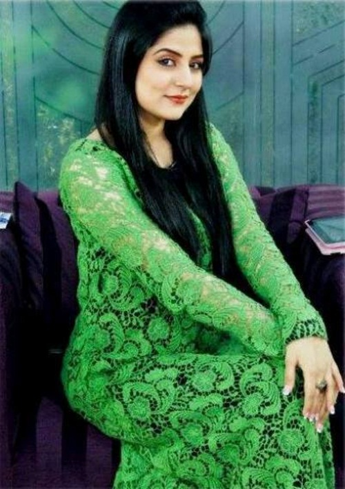 pakistani-actress-sanam-baloch-photos-13