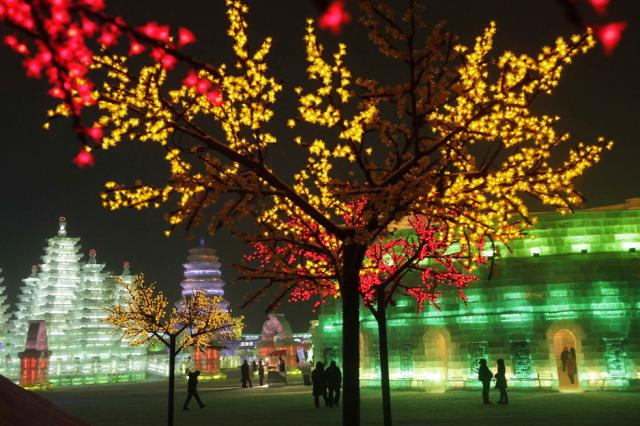 ice-city-in-harbin- (19)