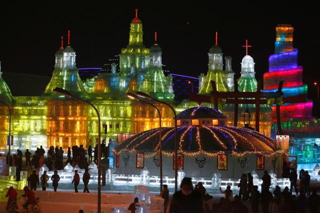 ice-city-in-harbin- (2)