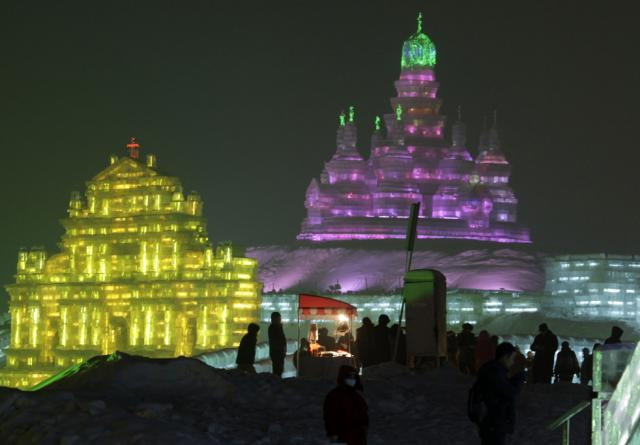 ice-city-in-harbin- (21)