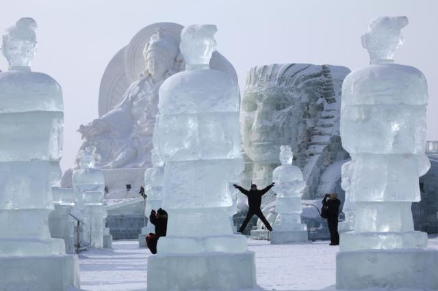 ice-city-in-harbin- (23)