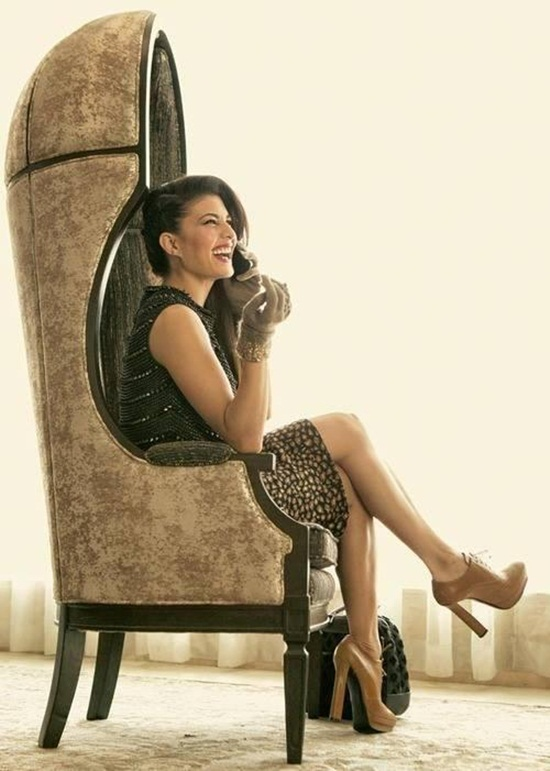jacqueline-fernandez-photoshoot-for-harper-bazaar-december-2013- (5)