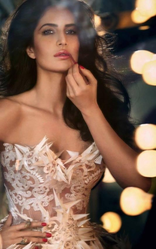katrina-kaif-photoshoot-for-vogue-magazine-december-2013- (1)