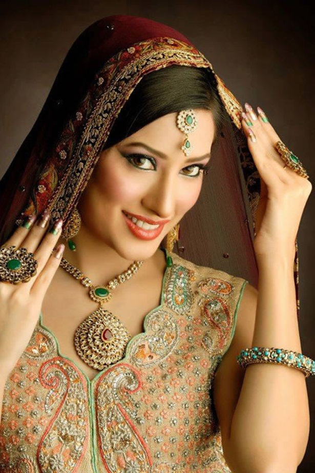 mehwish-hayat-new-photos-01