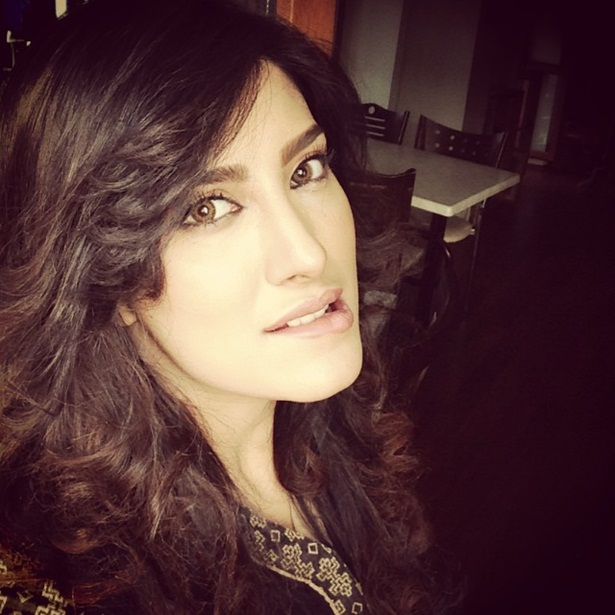 mehwish-hayat-new-photos-02