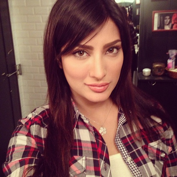 mehwish-hayat-new-photos-07