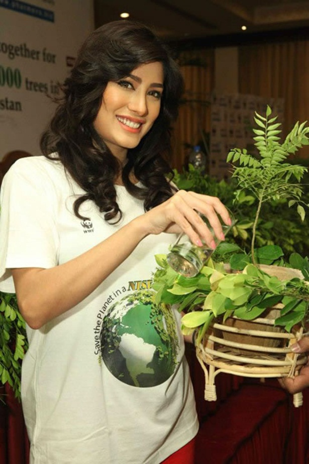 mehwish-hayat-new-photos-13
