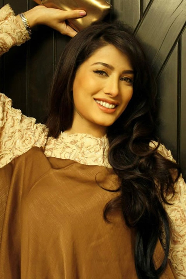 mehwish-hayat-new-photos-15