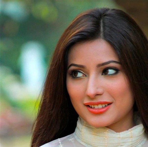 mehwish-hayat-new-photos-25