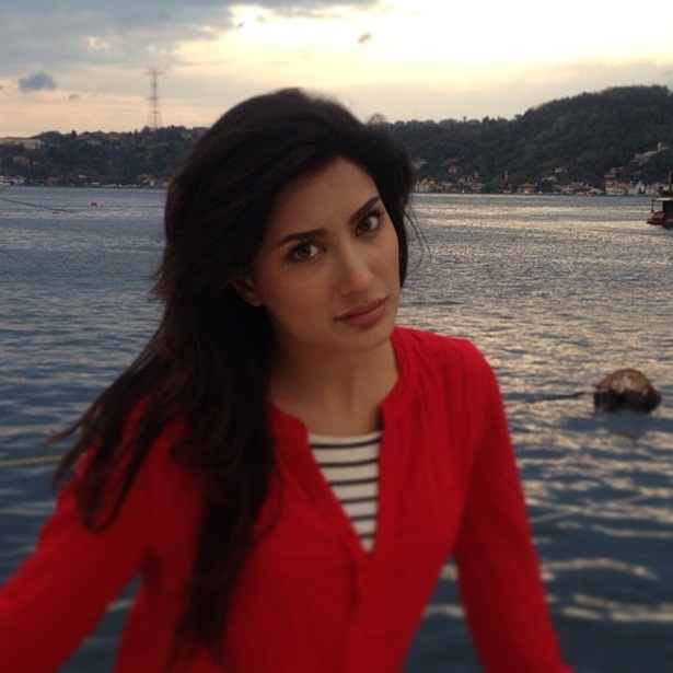 mehwish-hayat-new-photos-26