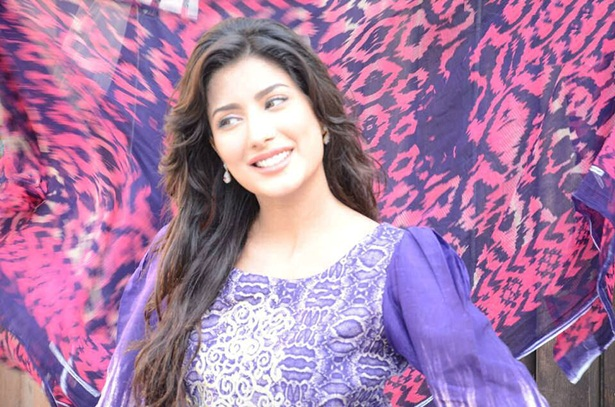 mehwish-hayat-new-photos-30