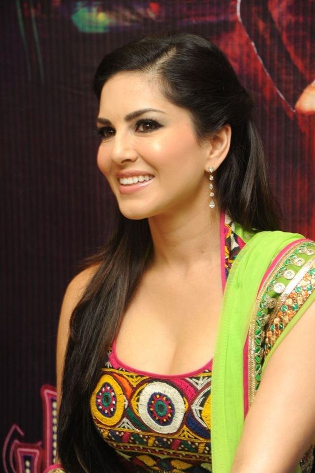 sunny-leone-photos-in-indian-dress- (19)