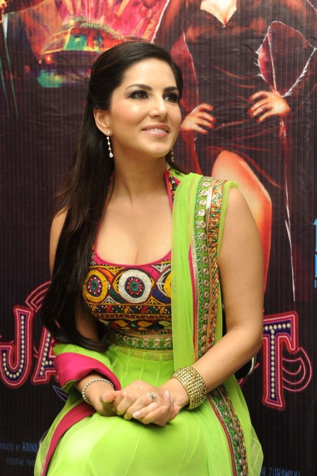 sunny-leone-photos-in-indian-dress- (3)