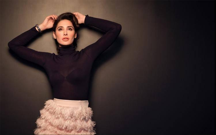 nargis-fakhri-photoshoot-for-l'officiel-magazine-january-2014- (3)