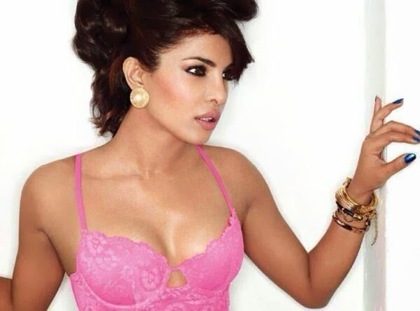 priyanka-chopra-photoshoot-for-maxim-december-2013- (5)