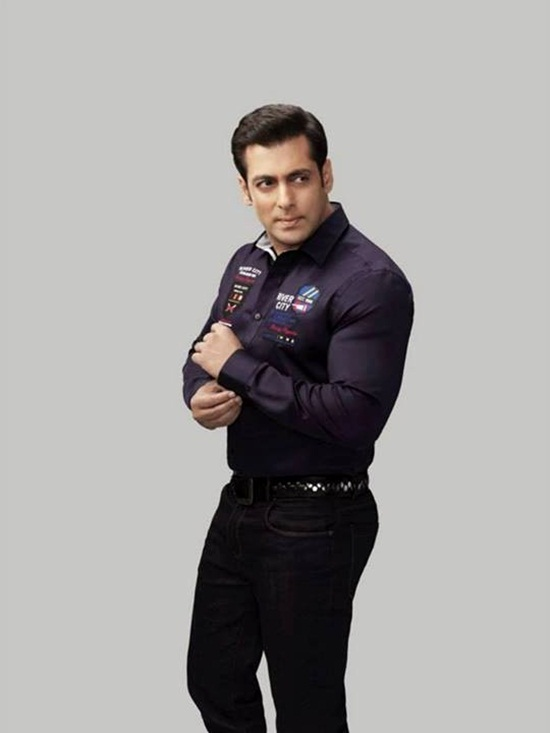 salman-khan-photoshoot-for-splash-winter-collection-2013-2014- (9)