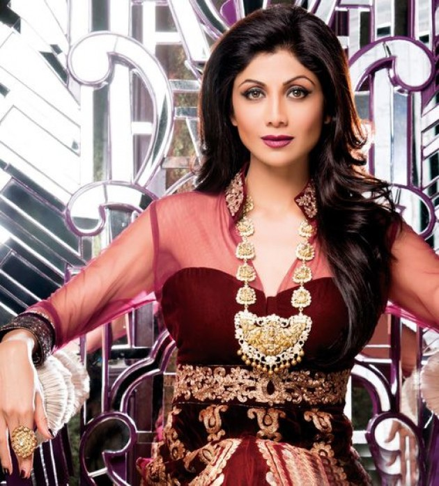 shilpa-shetty-photoshoot-for-hi-blitz-magazine-january-2014- (7)