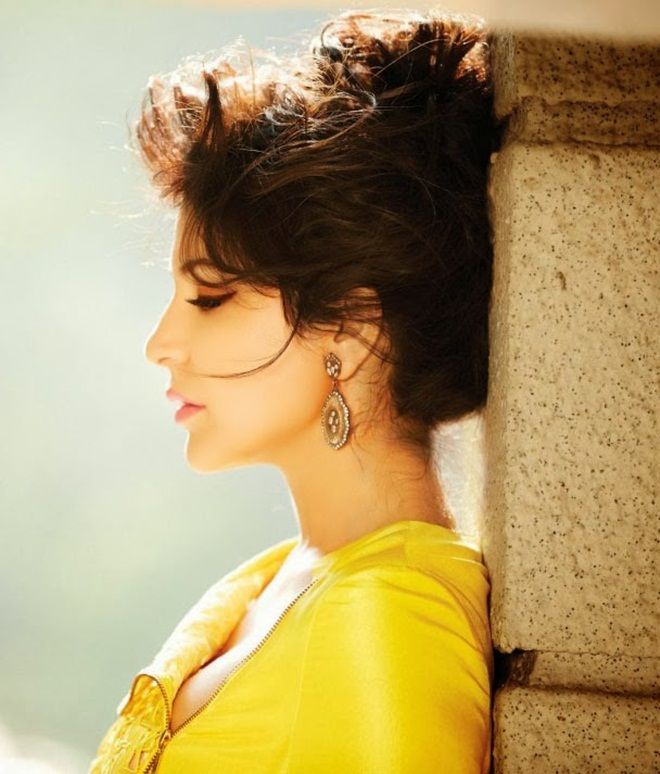 anushka-sharma-photoshoot-for-filmfare-magazine-january-2014- (7)
