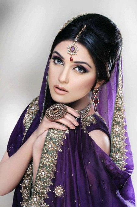maya-ali-in-bridal-makeup-by-makeup-artist-khawar-riaz- (4)