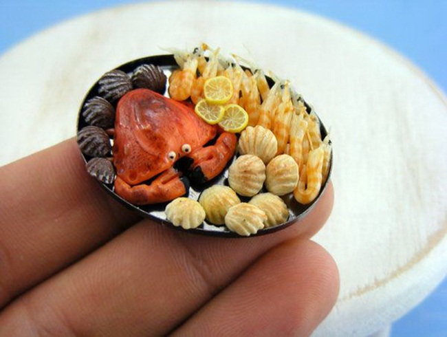 miniature-food-sculptures-by-shay-aaron- (6)