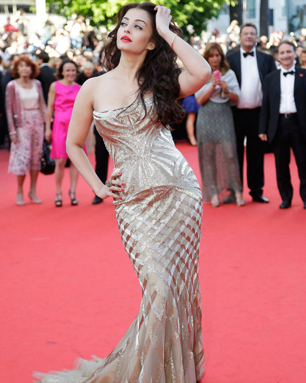 aishwarya-rai-at-cannes-film-festival-2014- (2)