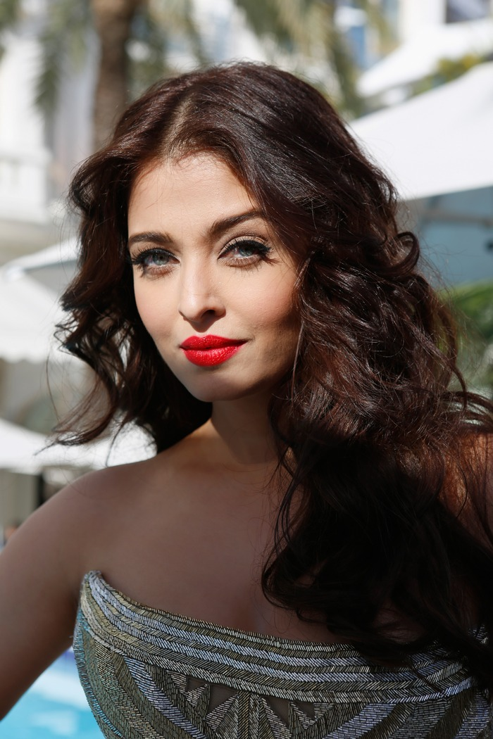 aishwarya-rai-at-cannes-film-festival-2014- (22)