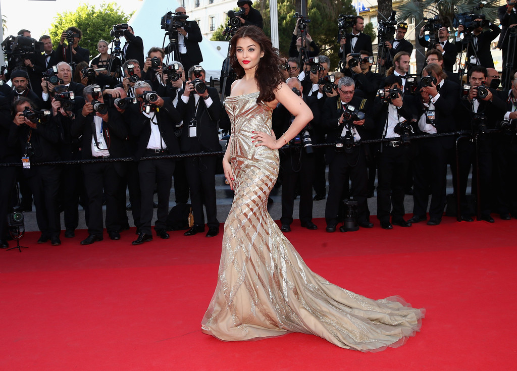 aishwarya-rai-at-cannes-film-festival-2014- (38)