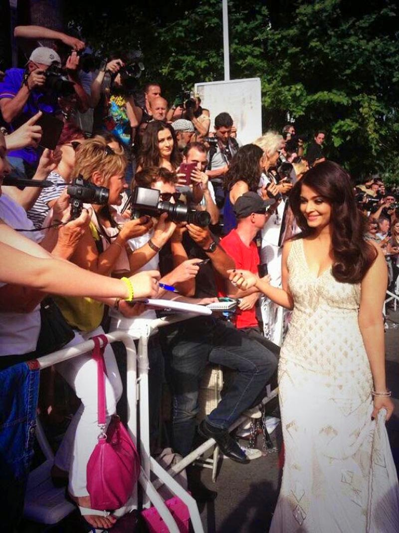 aishwarya-rai-at-cannes-film-festival-2014- (43)