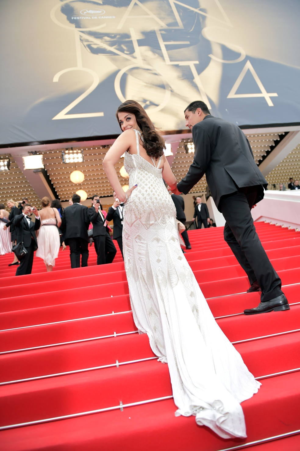 aishwarya-rai-at-cannes-film-festival-2014- (45)