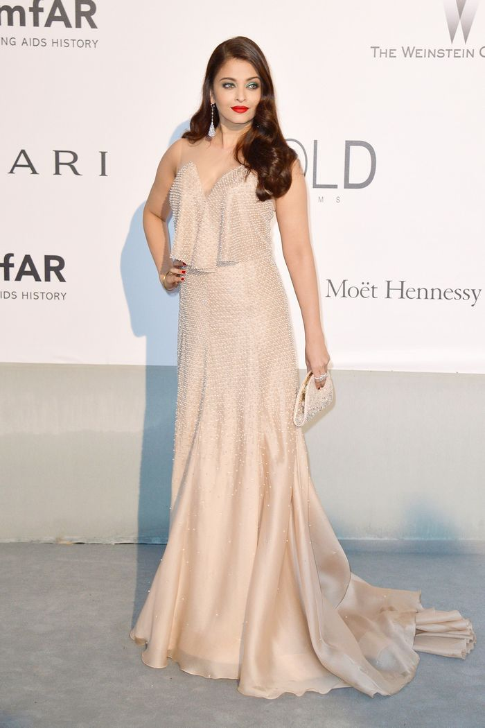 aishwarya-rai-at-cannes-film-festival-2014- (66)