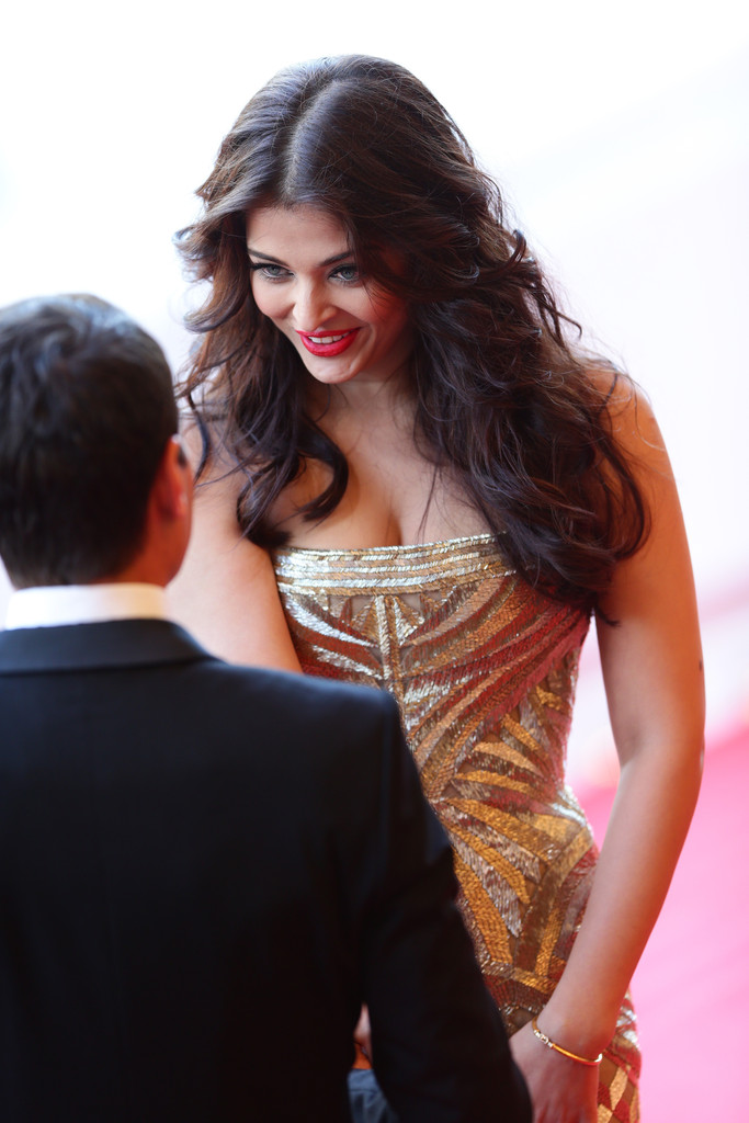 aishwarya-rai-at-cannes-film-festival-2014- (9)