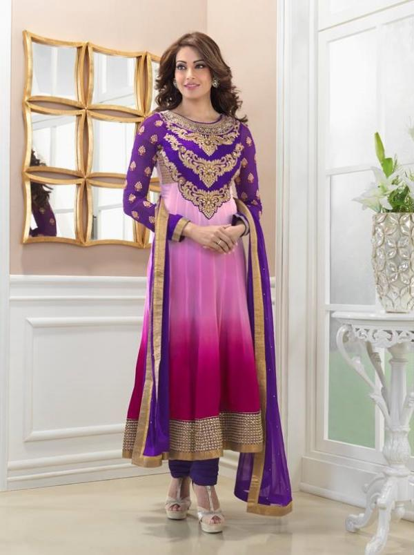 bipasha-basu-in-indian-anarkali-suits- (15)