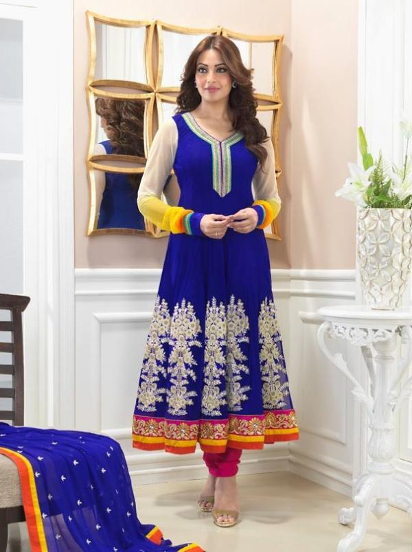 bipasha-basu-in-indian-anarkali-suits- (5)
