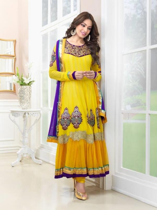 bipasha-basu-in-indian-anarkali-suits- (7)