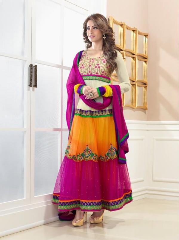 bipasha-basu-in-indian-anarkali-suits- (9)