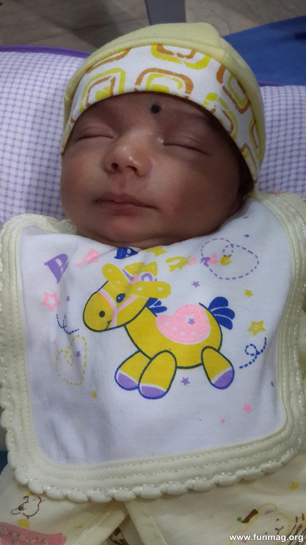 new-born-baby-aizab-31-photos- (27)