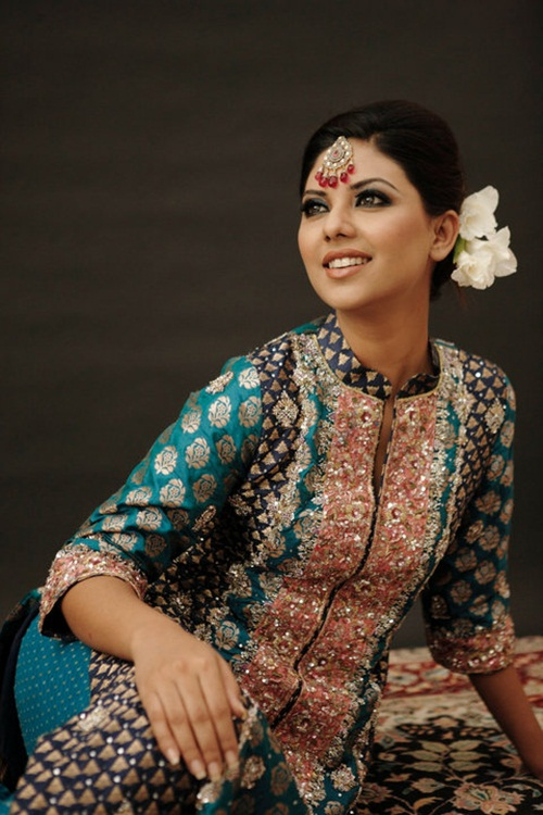sunita-marshal-in-pakistani-bridal-dress- (11)